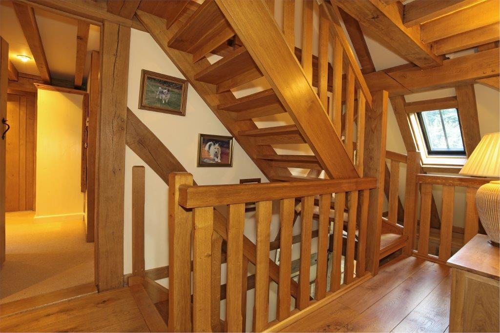 Oak frame craftsmanship