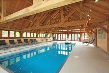 Green Oak Home Leisure Building