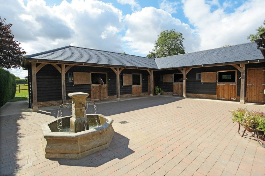 Oak Frame Stables And Barns 2